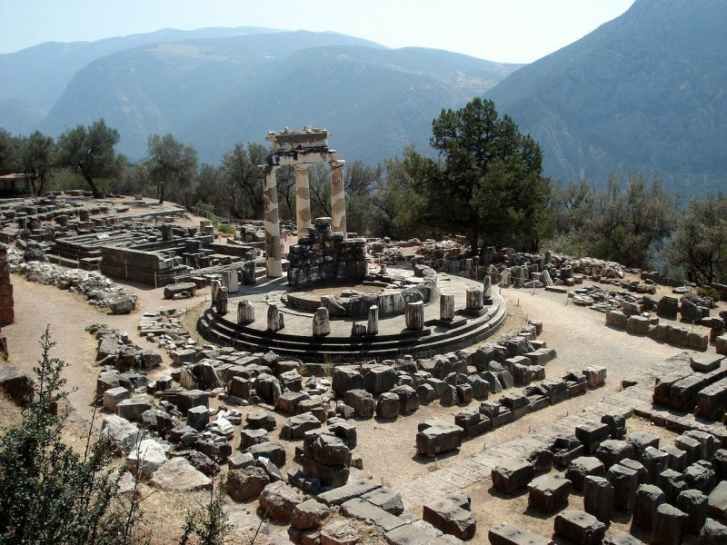 private tour of Delphi and Meteora