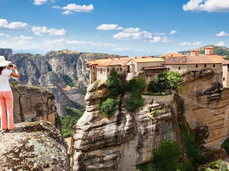 private tour of Delphi and Meteora