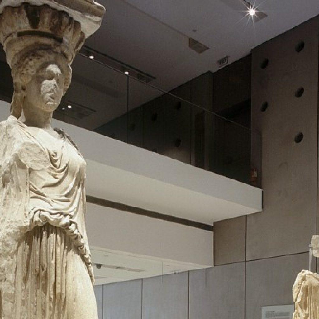 Discover Classical Athens_karyatides_Acropolis_museum