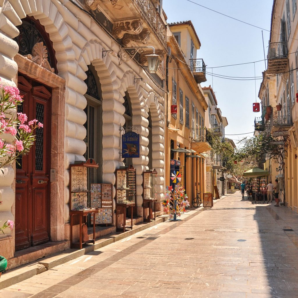 Discover_Peloponnese_medieval_side_Nafplio_Cobblestone_alleys