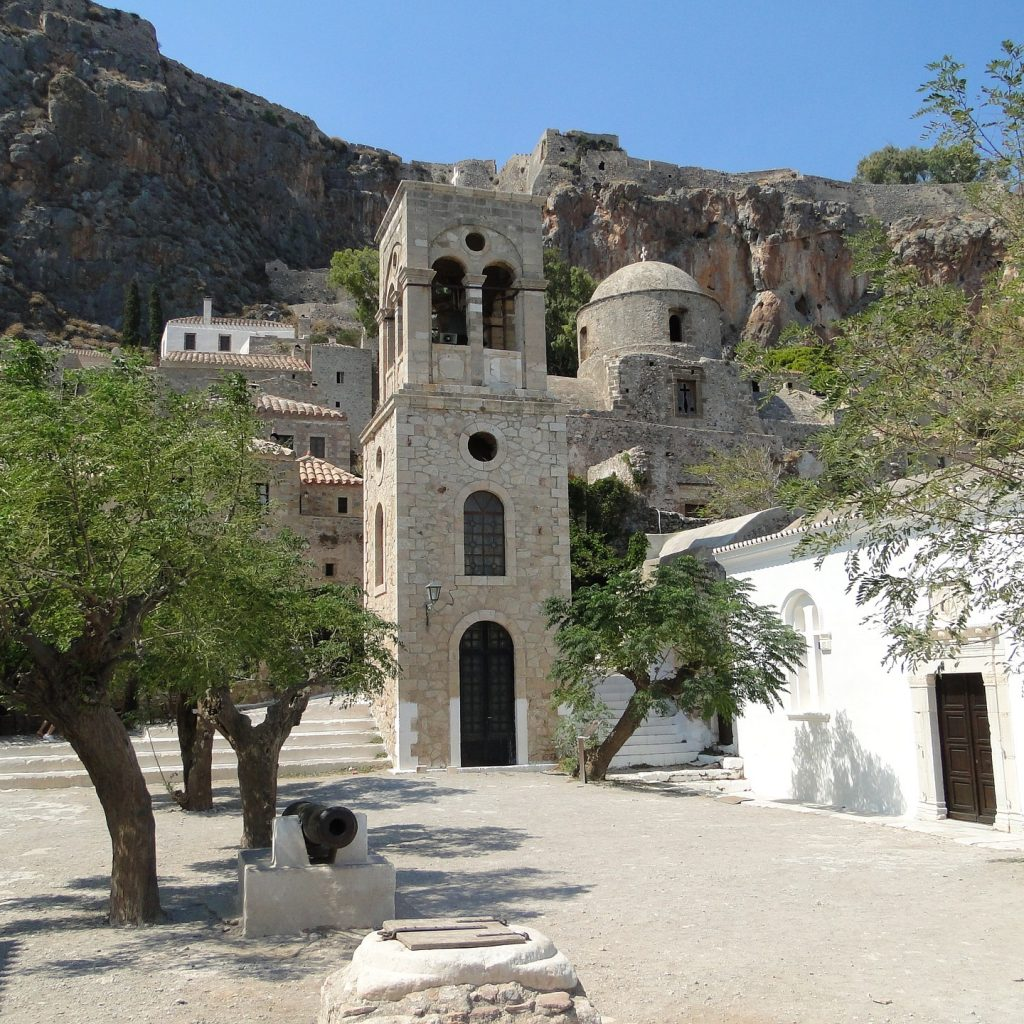 Discover_peloponnese_medieval_side_Monemvasia_inside_the_rock