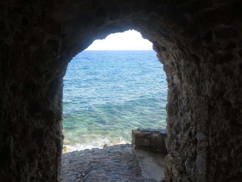 Discover_peloponnese_medieval_side_road_to_Monemvasia_inside_the_castle