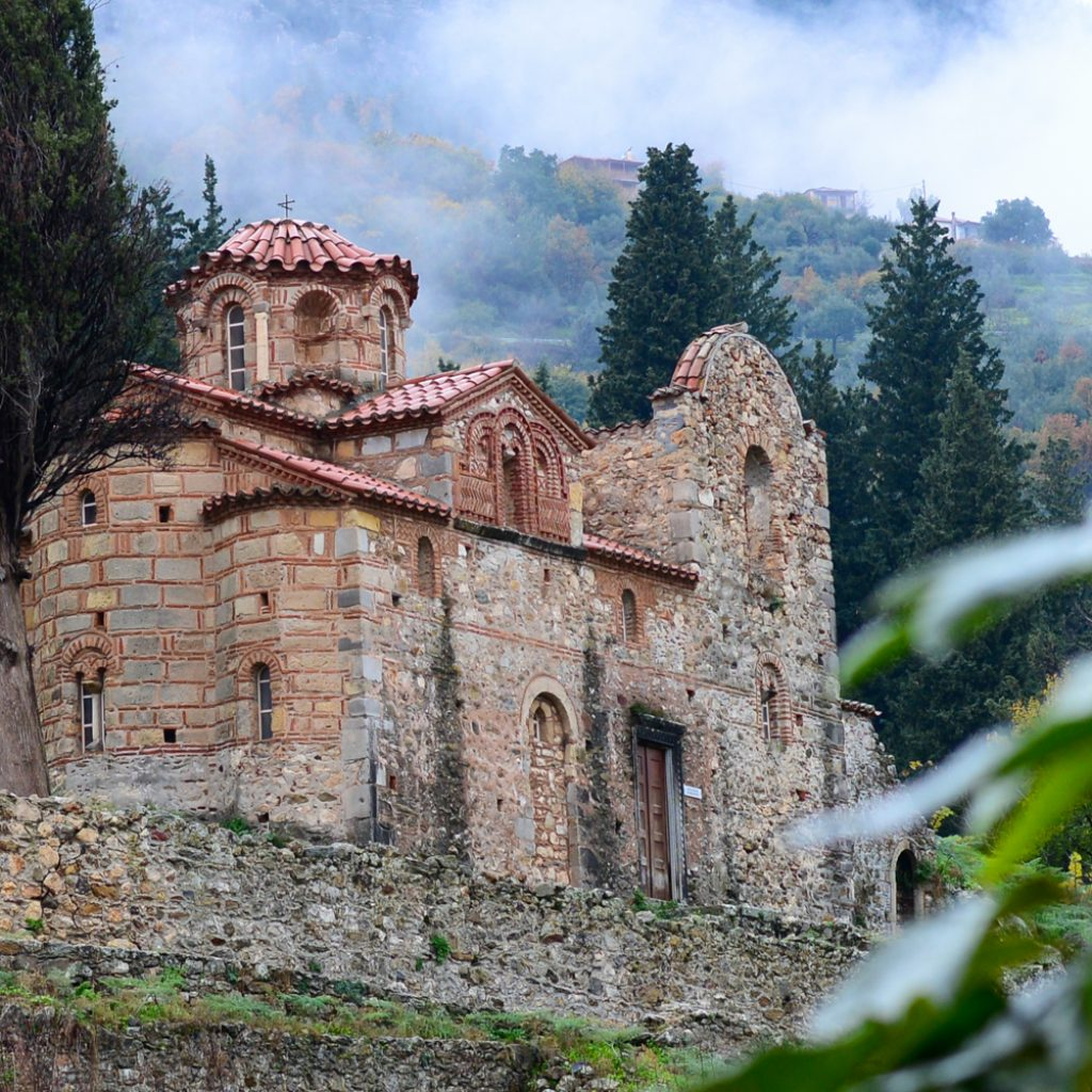 Discover_peloponnese_medieval_side_Mystras_church
