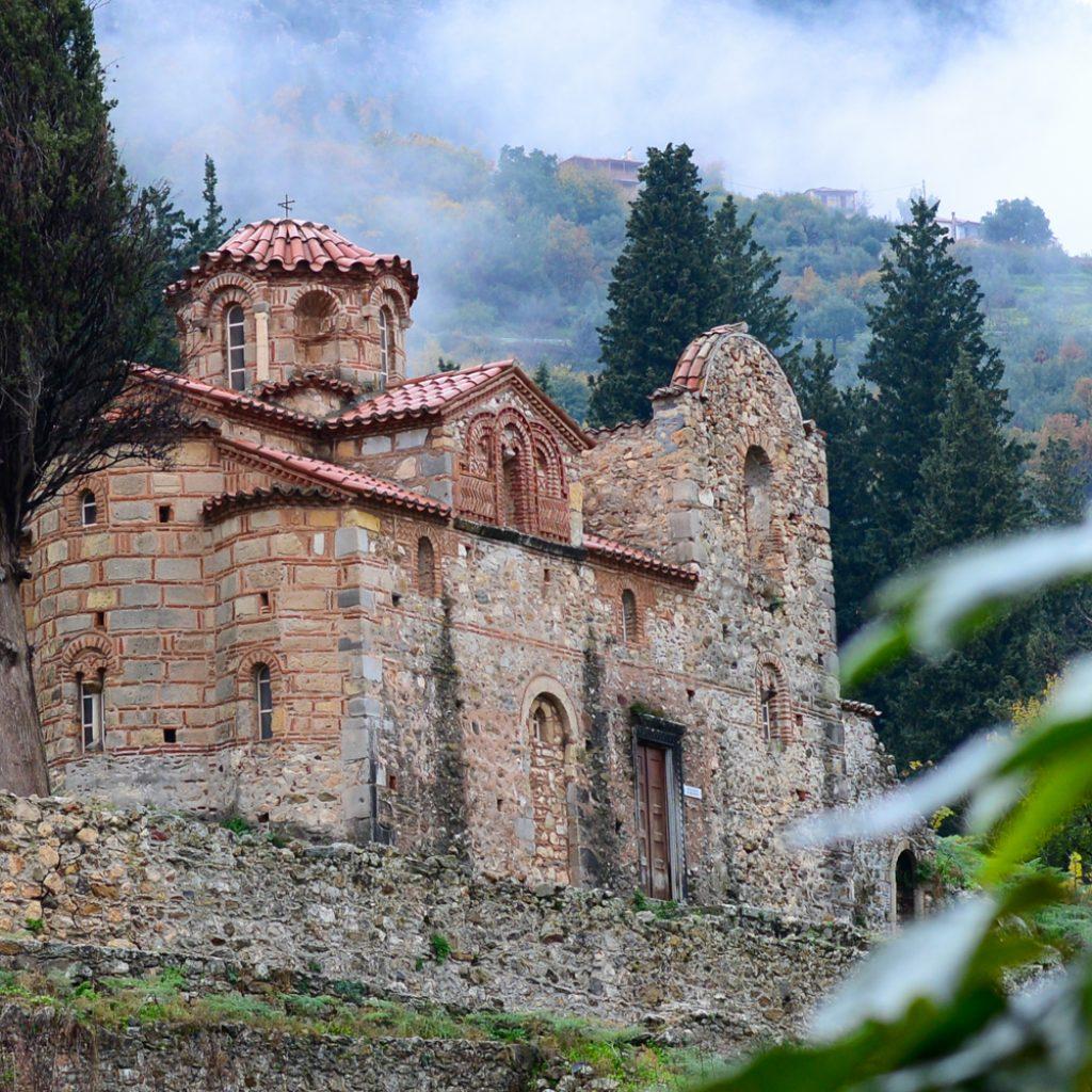 Discover_peloponnese_medieval_side_Mystras_church