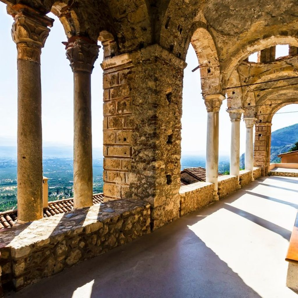 Discover_peloponnese_medieval_side_Mystras