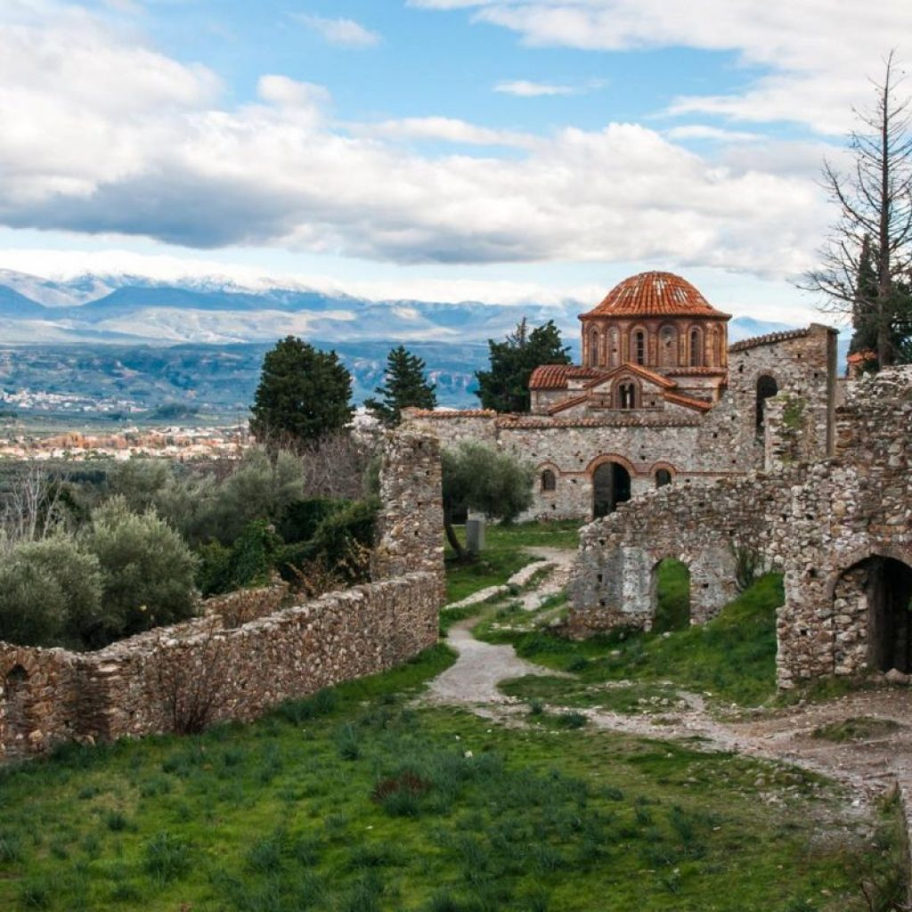 Discover_peloponnese_medieval_side_Mystras